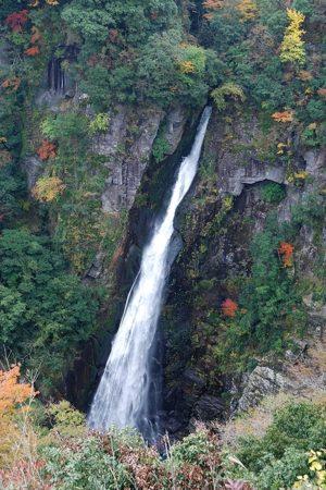 大分県玖珠郡玖珠町の観光情報/西椎屋の滝