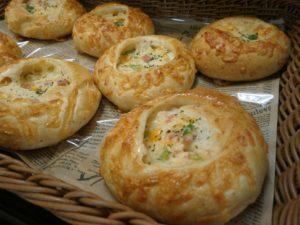 小麦胚芽のハムチーズパン